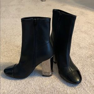 Brand new! Guess Boots